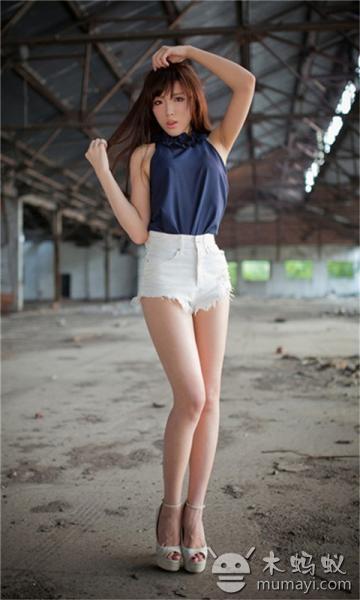 青春靓丽的美女模特唯美写真壁纸下载
